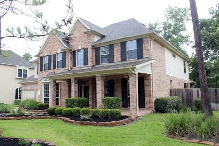 LOCATION! LOCATION!IMMEDIATE OCCUPANCY!  ACROSS FROM CARLTON WOODS AND THE GARY PLAYER GOLF COURSE. LAKE VIEWS. WALK FROM NEIGHBORHOOD TO TERRAMONT PARK. 5 LARGE BEDROOMS. MASTER DOWN. 2 STORY FAMILY ROOM OPENS TO LARGE BREAKFAST ROOM AND ISLAND KITCHEN. BUTLERS PANTRY. STUDY. INTIMATE NEIGHBORHOOD SURROUNDED BY GREENBELT. TANDEM BAY OF GARAGE IS A TILED STORAGE ROOM.  WOODLANDS HIGH SCHOOL. LAWN MAINTENANCE INCLUDED. REFRIGERATOR INCLUDED. WOODLANDS HIGH SCHOOL.