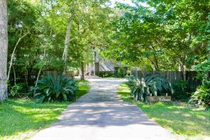 28042 Lynnwood Lane, Hempstead, TX 77445