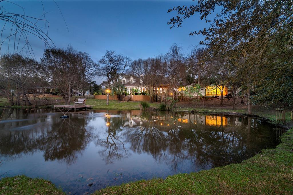 2037 Lakeside Drive, Seabrook, TX 77586