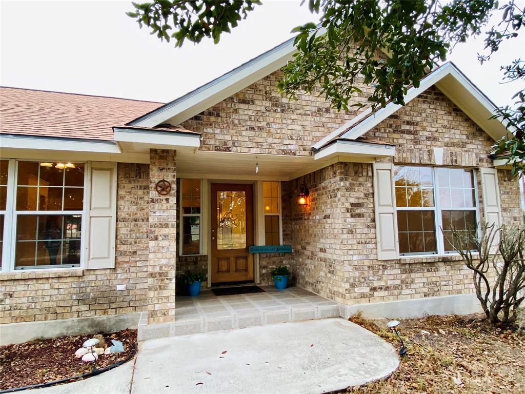 246 S Palo Alto Drive, Floresville, TX 78114