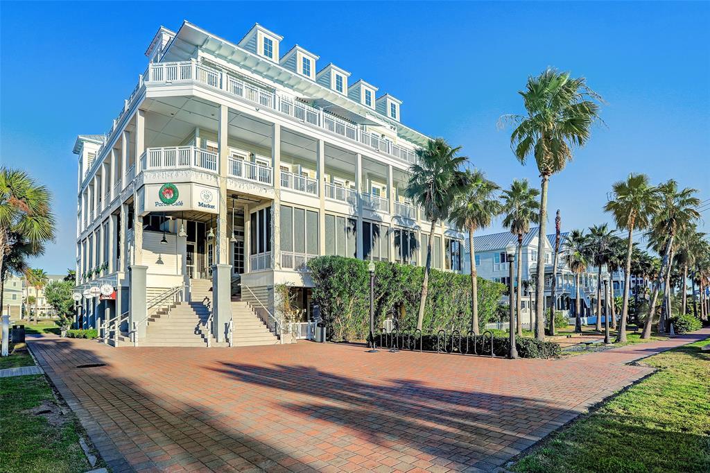 1625 E Beach Drive 4A, Galveston, TX 77550