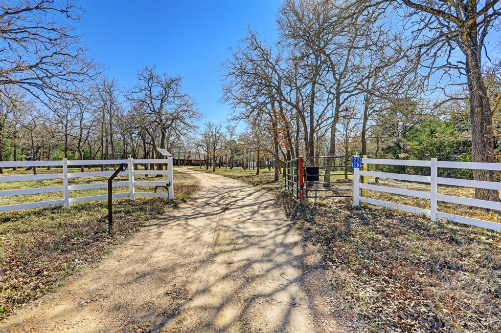 1202/1206 W Old Lockhart Road, West Point, TX 78963