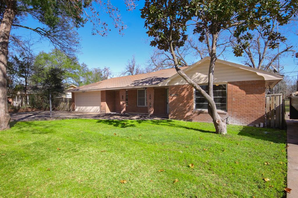 2010 Wycliffe Drive, Houston, Texas 77043, 3 Bedrooms Bedrooms, 7 Rooms Rooms,2 BathroomsBathrooms,Rental,For Rent,Wycliffe,29151196