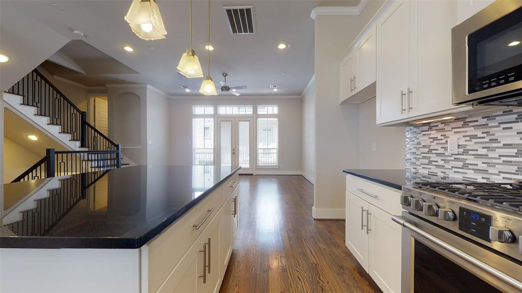 248 28th Street, Houston, Texas 77008, 3 Bedrooms Bedrooms, 6 Rooms Rooms,3 BathroomsBathrooms,Single-family,For Sale,28th,89278242