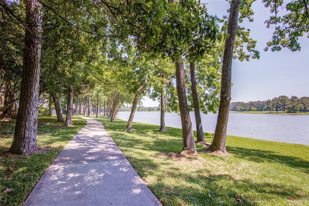 34 Shorelake Drive, Houston, TX 77339