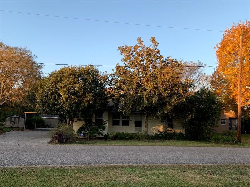 4835 Holly Avenue, Pasadena, TX 77503