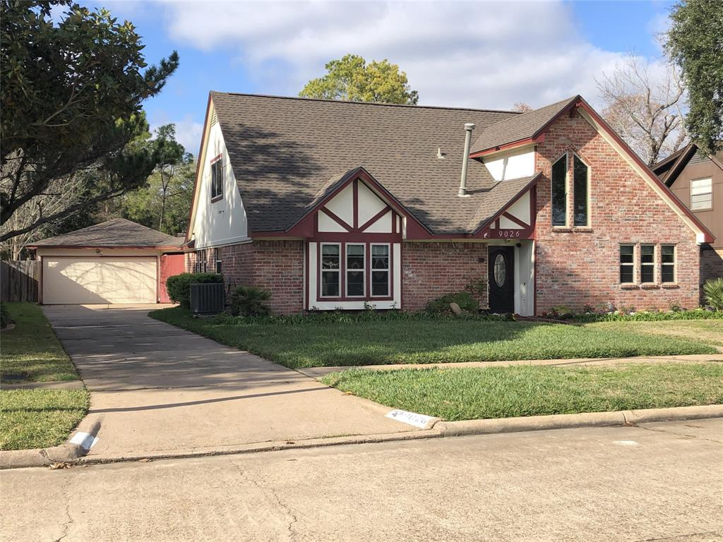 9026 Sterlingame Drive, Houston, TX 77031