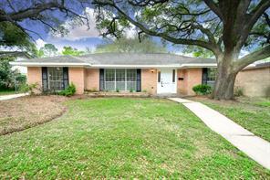 5446 beechnut street, houston, TX 77096