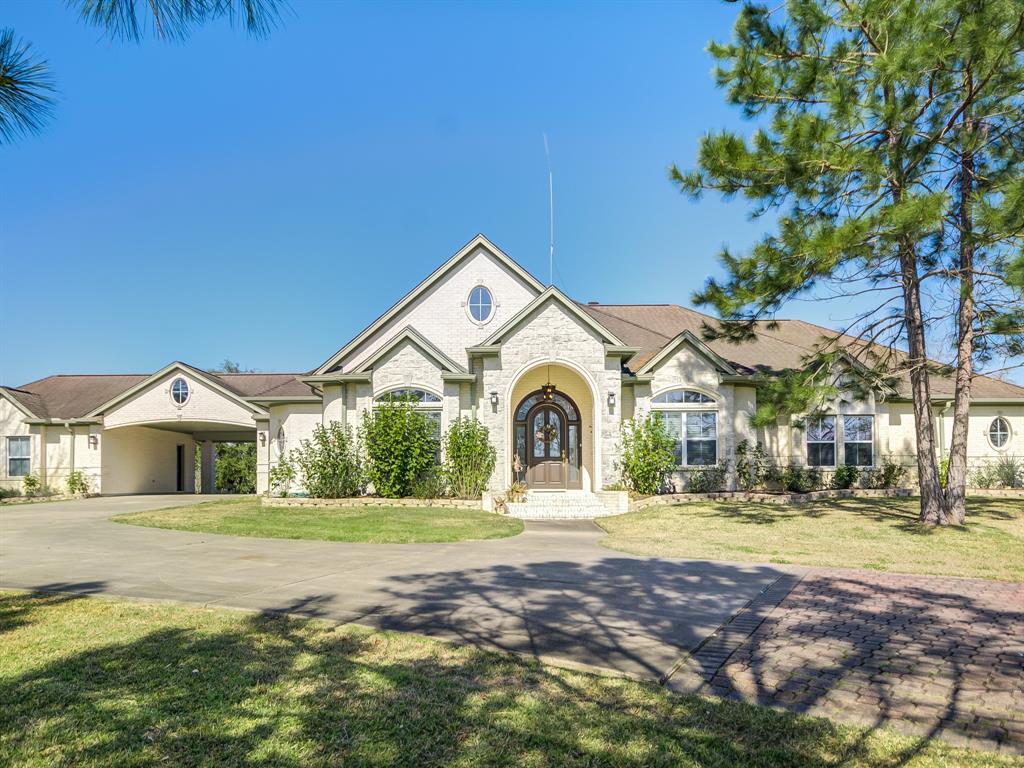 13820 Country Side Street, Santa Fe, TX 77517