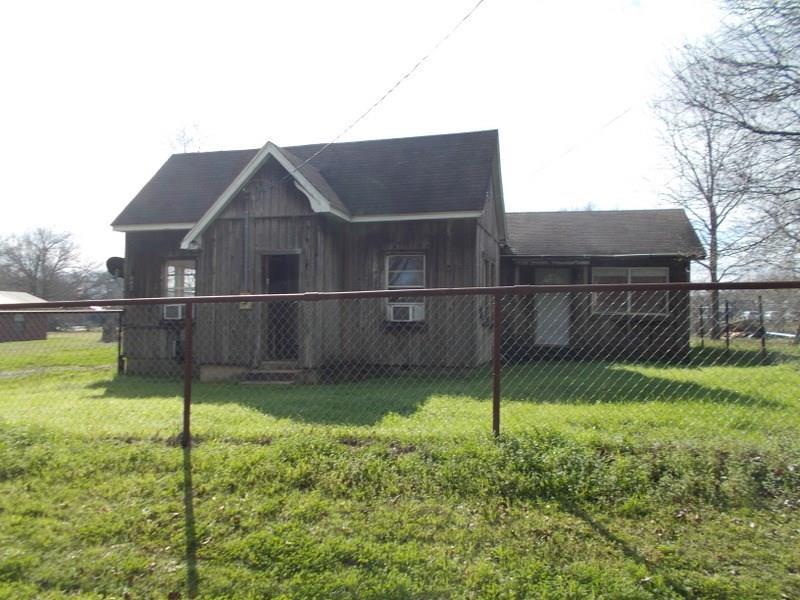 642 N Love Street, Oakwood, TX 75855
