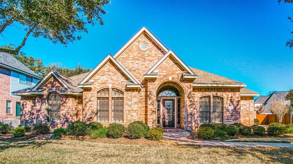 54 Scotch Pine Court, Lake Jackson, TX 77566