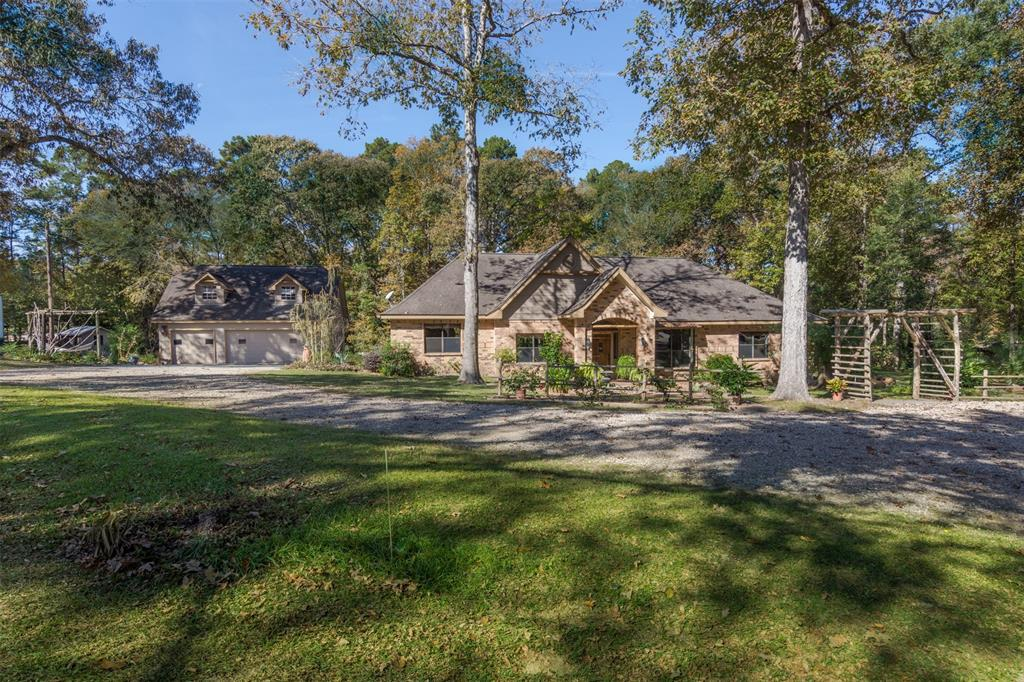 10465 Champion Village Drive, Conroe, TX 77303