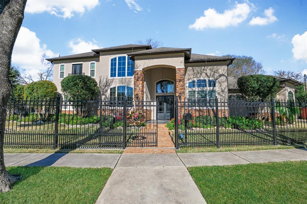 8502 Glenview Drive, Houston, TX 77017
