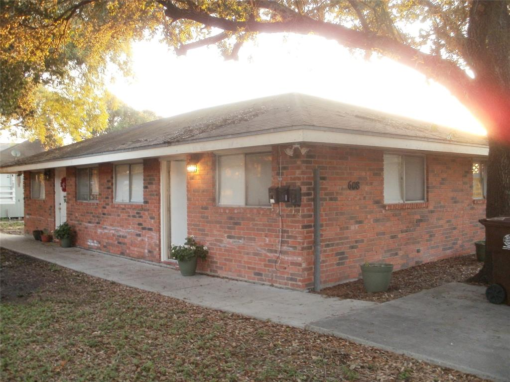 606-608 W Alice Avenue, Kingsville, TX 78363