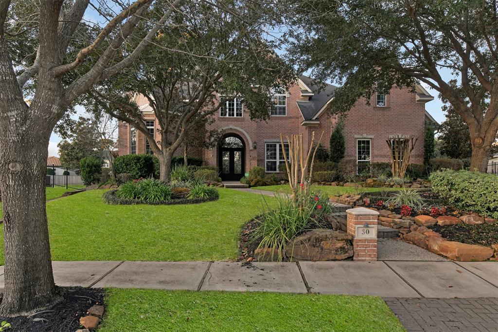30 Kingwood Greens Drive, Houston, TX 77339