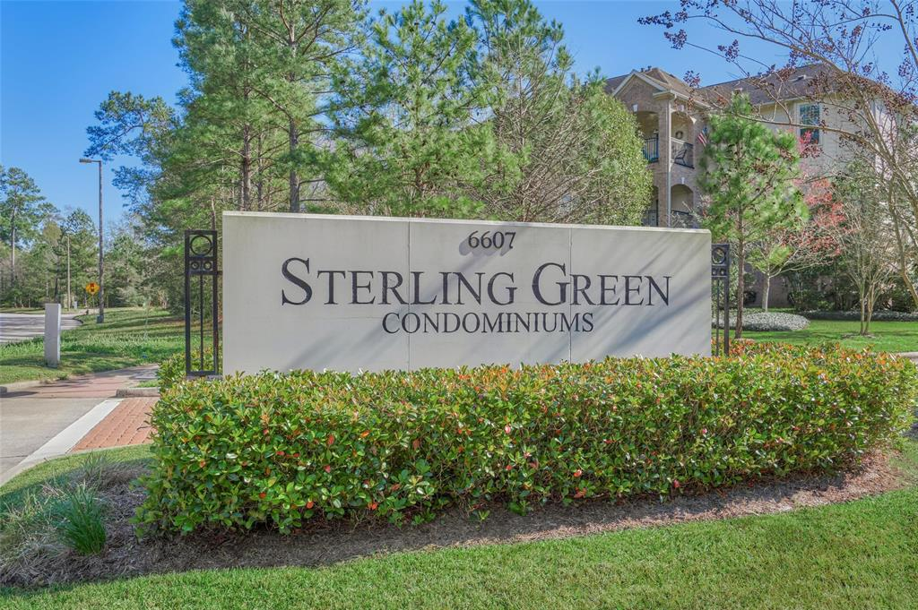 A Woodlands Prime location. This condo is located in the first floor It features 2 bedrooms and 2 bathrooms and 1 car garage, security gate to the building plus elevator access. In pristine conditions open floor plan with a clean look. Laminate  floors through the family area & study. The kitchen has recent replaced SS appliances . Floors were  installed October 2019, water heater installed October 2019, new food processor 2020. 