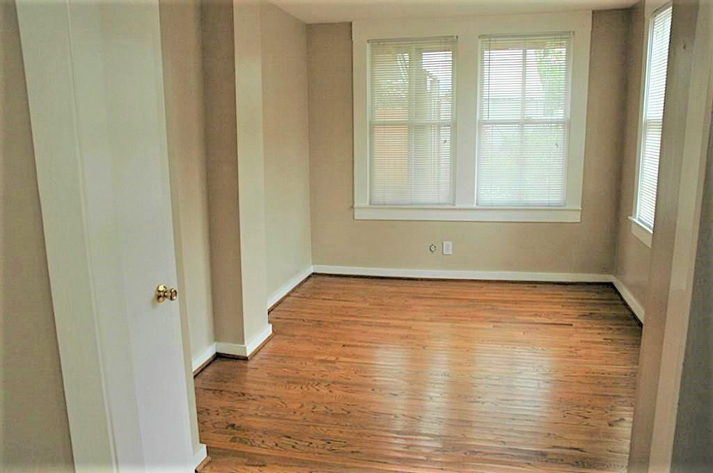 This bonus room, to the right as you walk in the front door and across from the kitchen is wonderful flex space. Make it your dining room, office, or secondary living space.