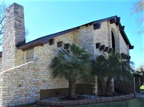 319 Four Oaks Street, Richwood, TX 77531