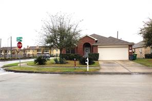 4503 estate drive, baytown, TX 77521