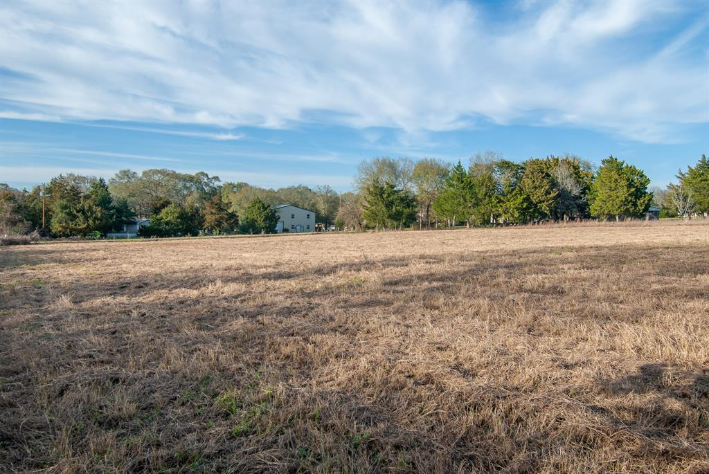 1 acre lot located on the corner of Deer Rd and Fawn Rd. Light restrictions are in place which include no manufactured homes and minimum 1400 sqft. There is community water available and electricity nearby.