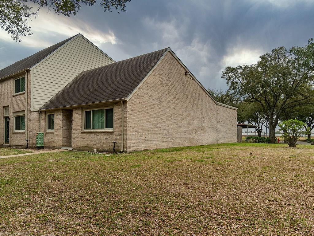 2098 Shiveley Circle, Houston, TX 77032