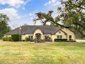 343 Thousand Oaks Drive, Angleton, TX 77515