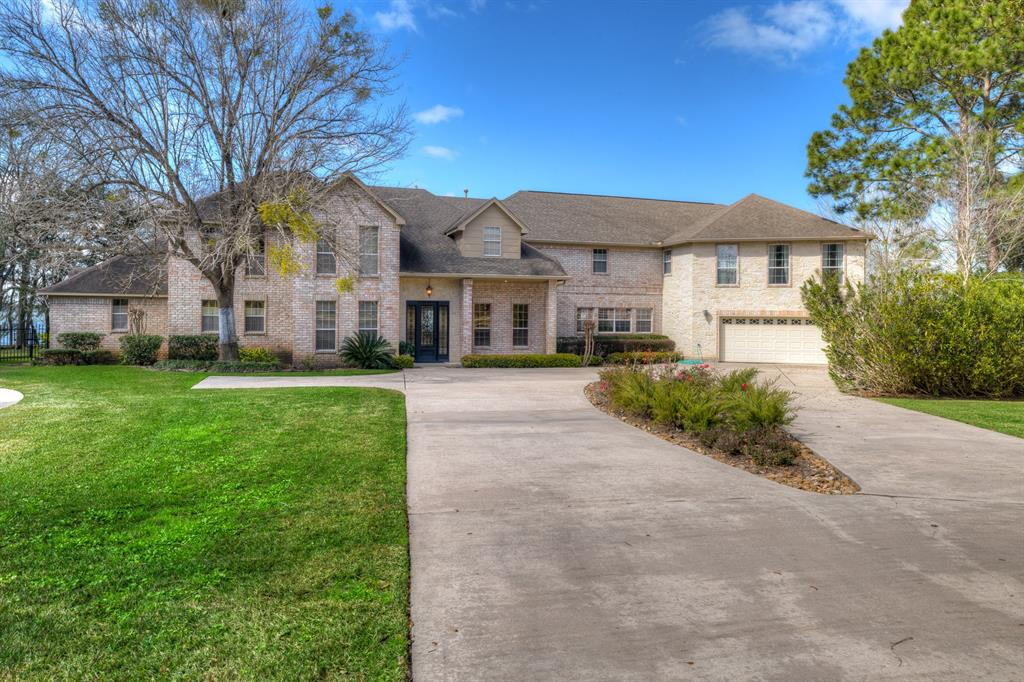 10181 Valley Drive, Willis, TX 77318