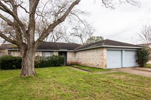 2822 English Colony, Webster, TX, 77598