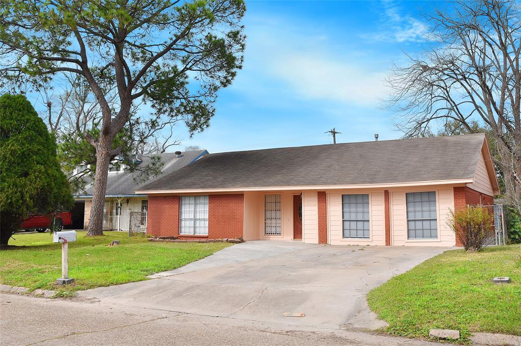 4707 Hollybrook Lane, Houston, TX 77039