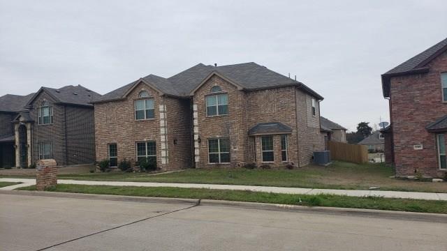 1801 Lakeview Drive, Desoto, TX 75115