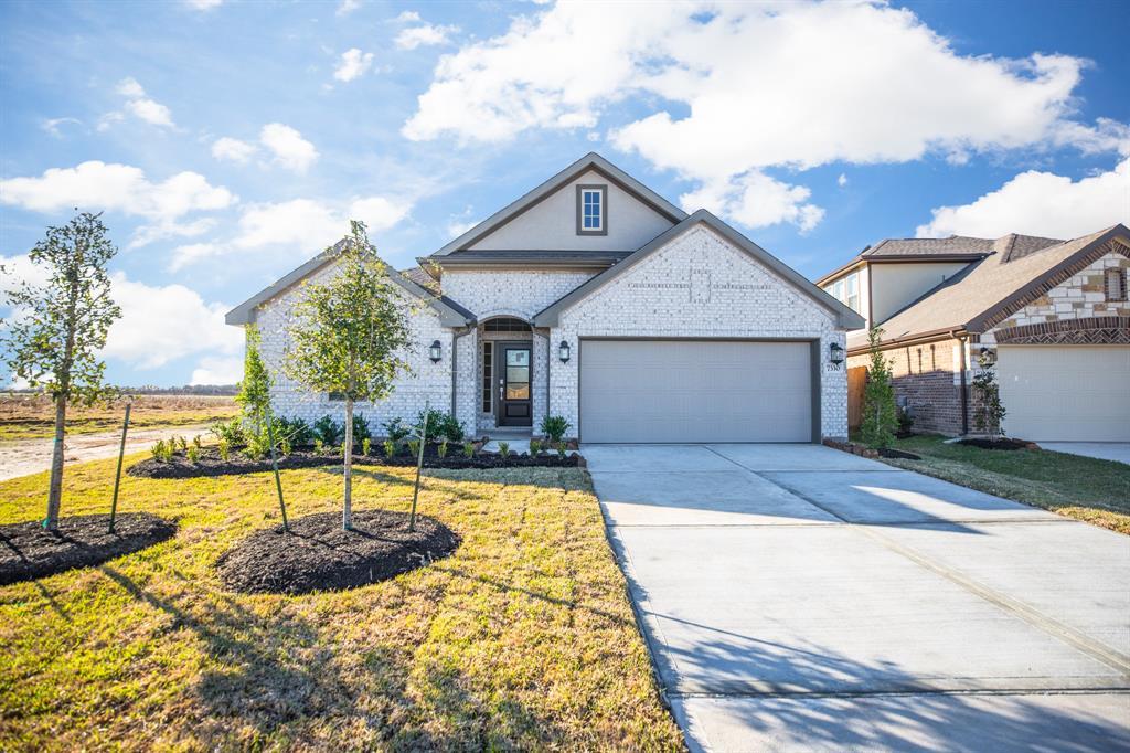 7330 Markstone Falls Lane, Rosenberg, TX 77469