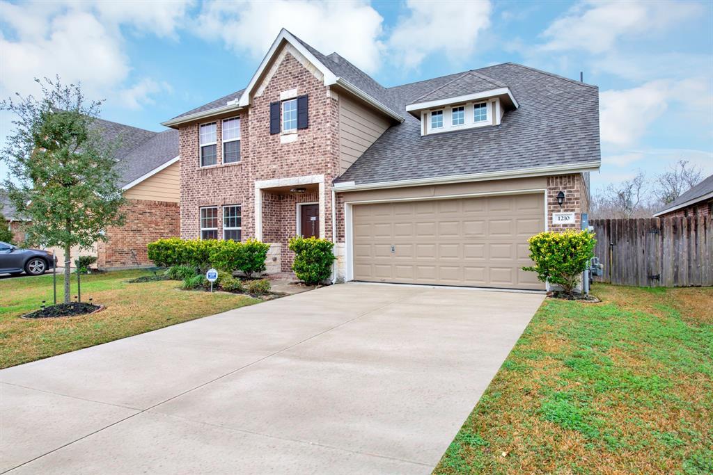 1210 Quarterhorse Drive, Alvin, Texas 77511, 5 Bedrooms Bedrooms, 9 Rooms Rooms,3 BathroomsBathrooms,Single-family,For Sale,Quarterhorse,12231956