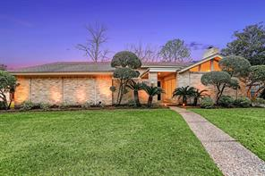 5751 Birdwood, Houston, TX 77096