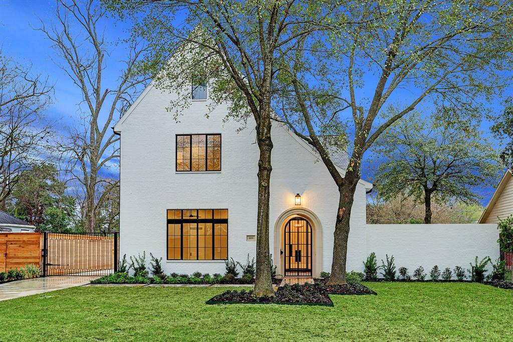 223 W 32nd Street, Houston, TX 77018