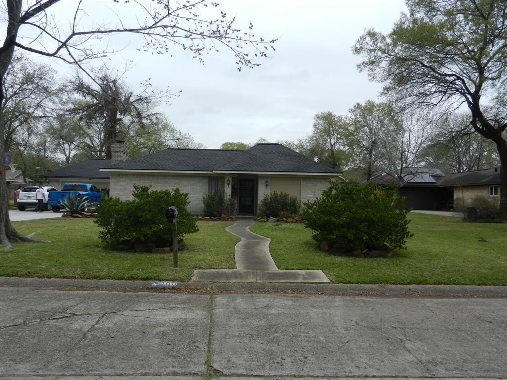 400 Post Oak Drive, Baytown, TX 77520