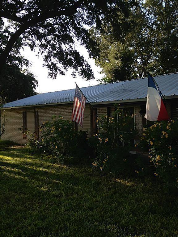 130 Lago Drive, Sandia, TX 78383