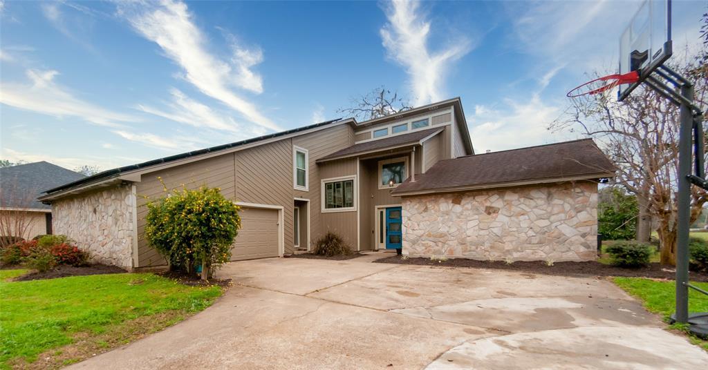 2283 Riverside Drive, West Columbia, TX 77486