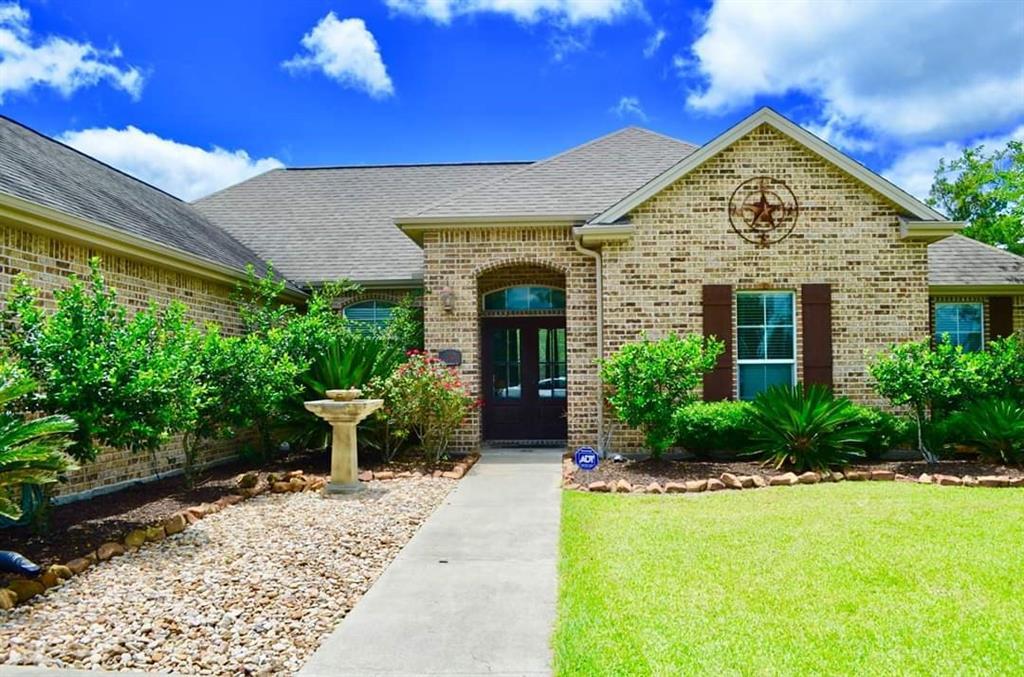 130 Colonial Estates Drive, Bridge City, TX 77611