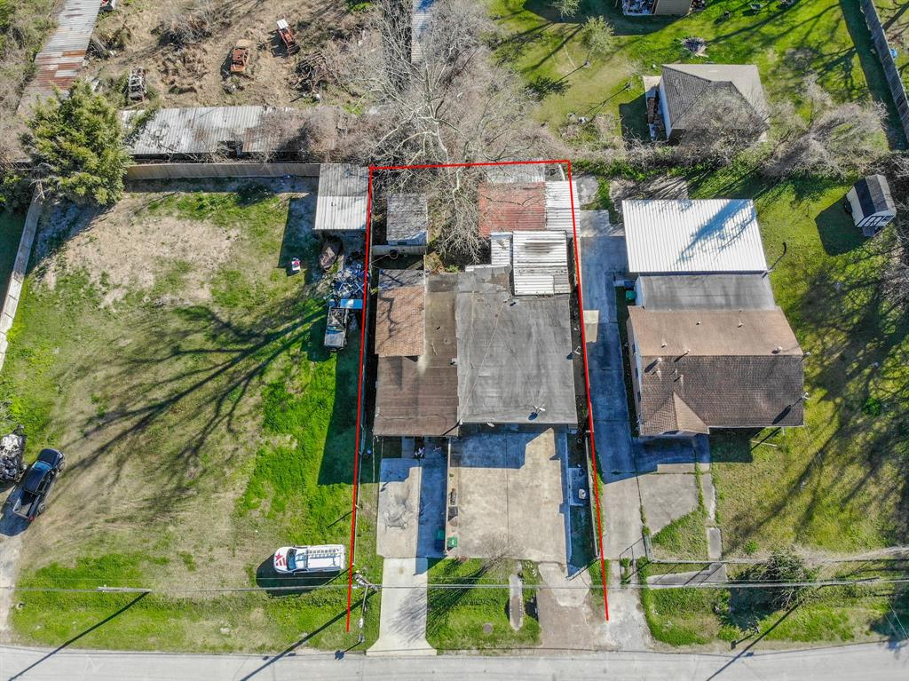 Great location for this up & coming area! The revitalization of this area is very visible throughtout. This is being Sold as LOT VALUE.