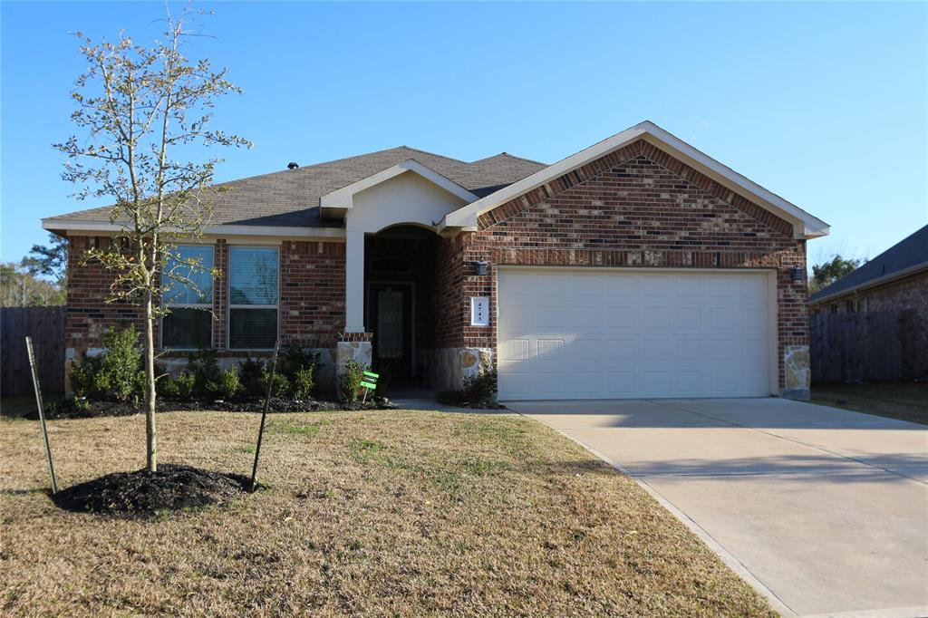 This Charming one story has everything you are looking for. Perfect open floor plan with spacious living areas, great color selection throughout the home, Stainless steel appliances and cover back patio.