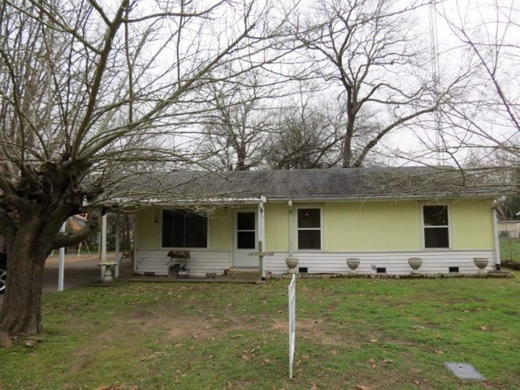 23162 Lakewood Drive, Frankston, TX 75762