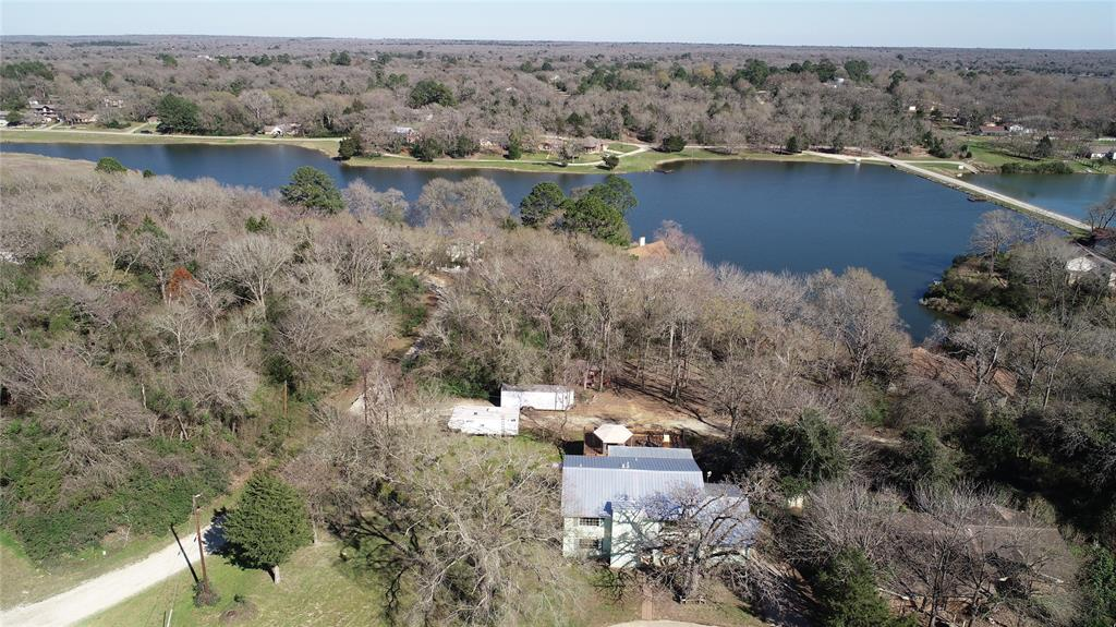 3 Holster Highway, Hilltop Lakes, TX 77871