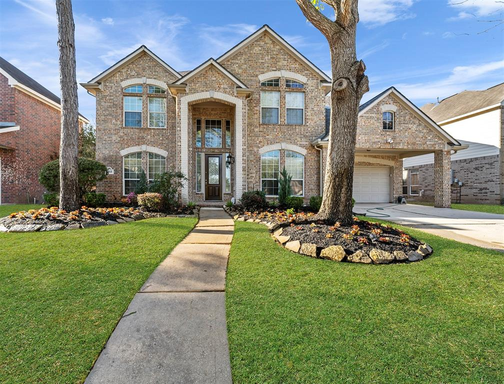 PRIDE IN OWNERSHIP IS APPARENT IN THIS WELL APPOINTED TWO STORY HOME NESTLED IN TO THE GATED COMMUNITY OF CANYON GATE ON THE BRAZOS. BE AMAZED AS SOON AS YOU WALK IN WITH THE GRAND TWO STORY ENTRY.  THE HOME FEATURES HARDWOOD AND TILE FLOORING THROUGHOUT THE MAIN LIVING AREAS,  GORGEOUS DRAPES AND FRESH PAINT. ENJOY BOTH FORMALS, A LARGE MASTER RETREAT, 3 SPACIOUS SECONDARY BEDROOMS AND A HUGE GAMEROOM/ MEDIA.  STUNNING BACKYARD WITH LUSH LANDSCAPING AND NEW FENCING. NEW ROOF. ZONED TO EXCELLENT SCHOOLS. EASY ACCESS TO HWY 59 AND EVERYTHING SUGAR LAND AND HOUSTON HAS TO OFFER.  DON'T DELAY