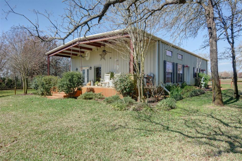 244 Henry Lane, Waelder, TX 78959