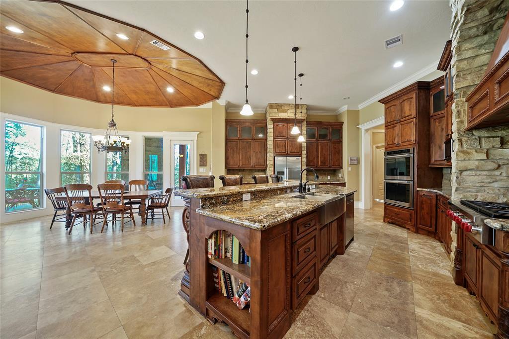 427 Lassen Villa Court, Houston, TX 77336