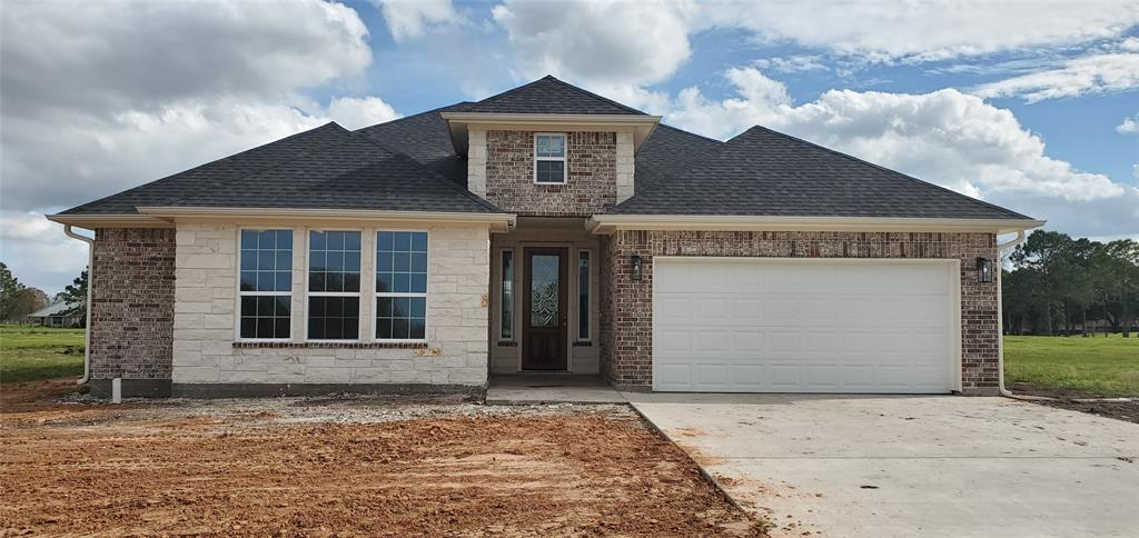529 Green Meadows Drive, West Columbia, TX 77486