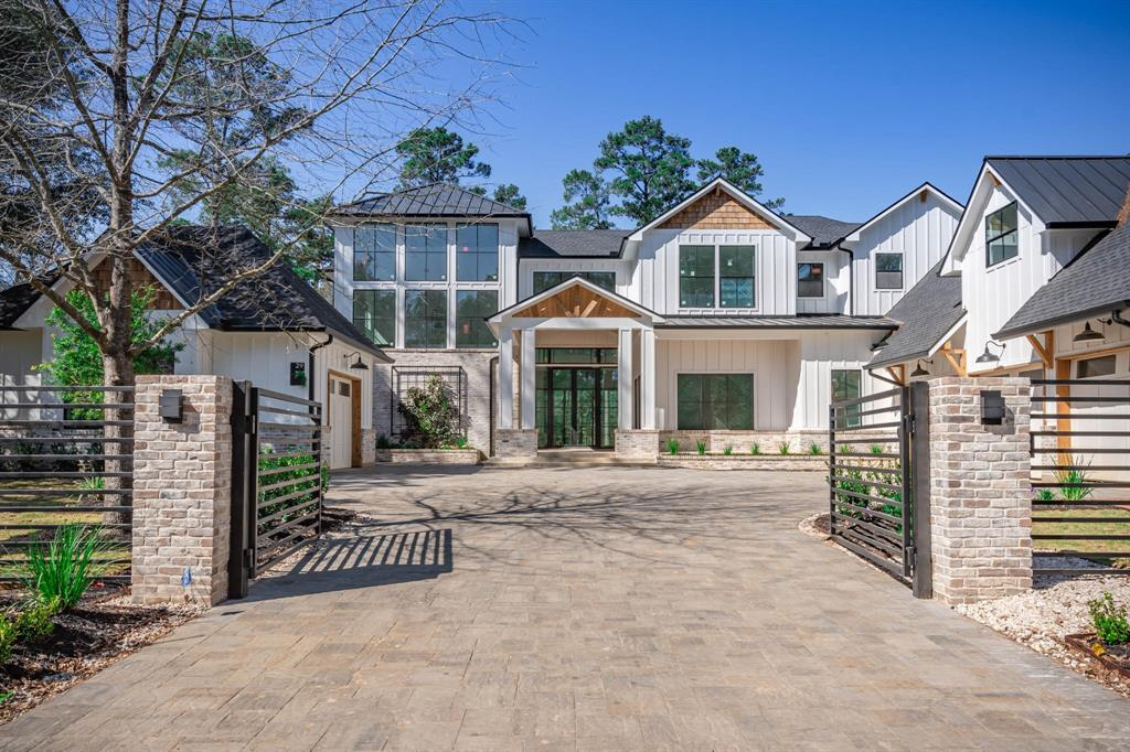 29 Doe Run Drive, The Woodlands, TX 77380