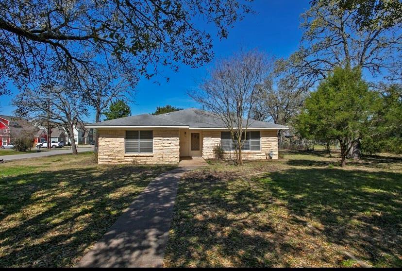 316 Tee Drive, Bryan, TX 77801