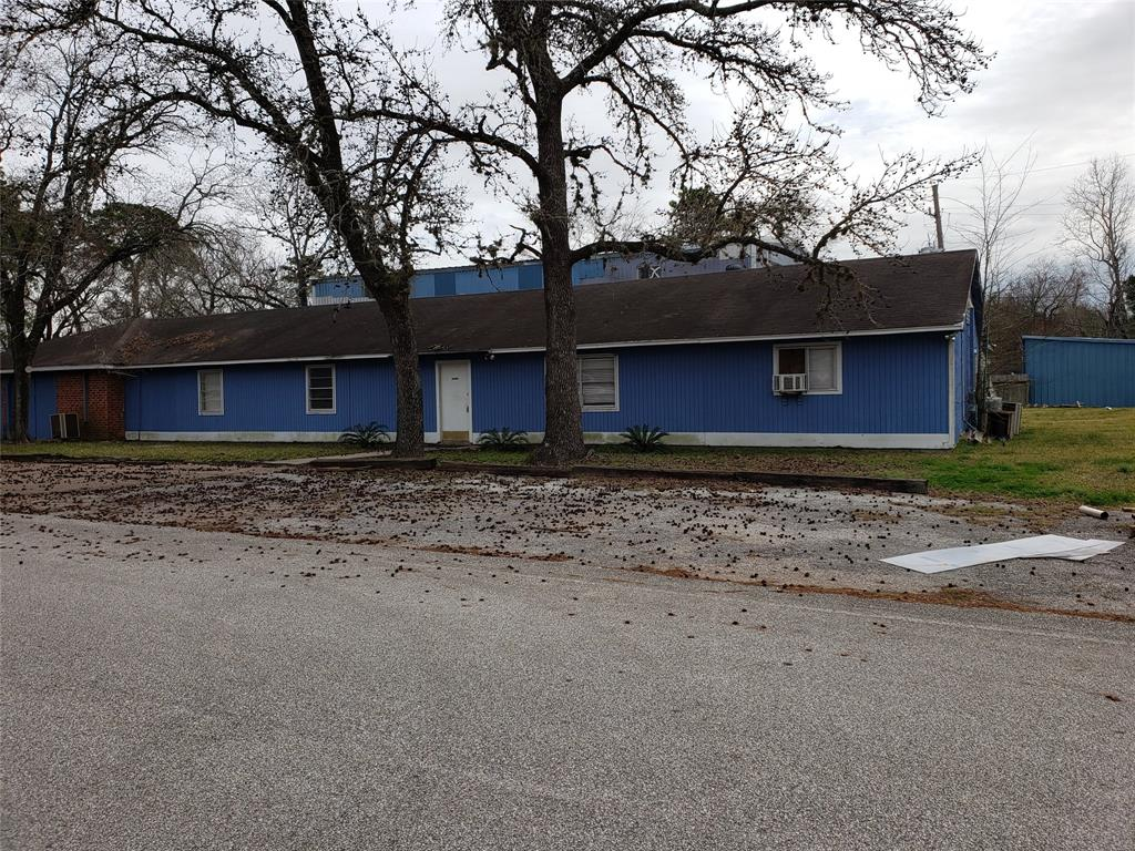 There is an existing structure formerly used for warehousing and light manufacturing. Corner lot with easy access to I-45, Hardy Toll Rd. and Beltway 8. Could be good for multi-family development