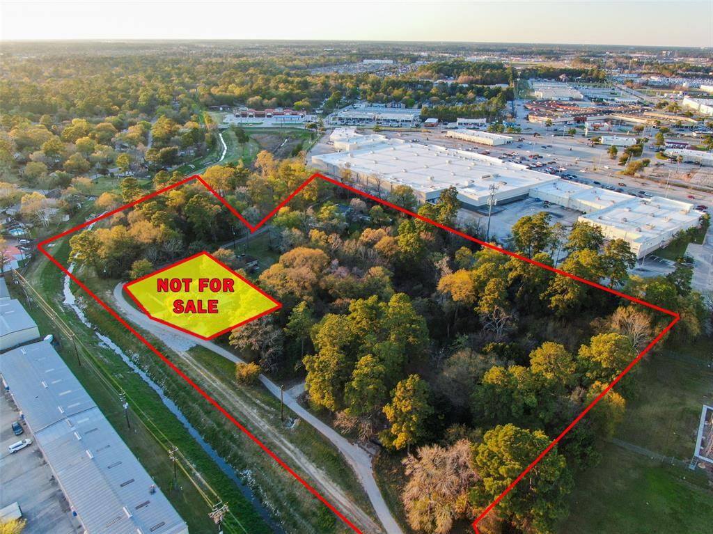 ** COMMERCIAL OPPORTUNITY ** 8.411+ ACRES with I-45 frontage on I-45 South bound feeder road between Cypresswood Dr. & FM 1960! Easy access to the Grand Parkway (99) and South to Beltway 8. The 8.4 +/- Acres are currently being Sold for Commercial Use. Property size, location, high traffic volume & easy access makes it ideal for multiple uses with it's AMAZING LOCATION! Property has 2 Entrances with a 60 ft. Easement located at the back of the property behind Super Target as well as one on the I-45 Feeder road. Potential Uses could include: Industrial / Storage Warehouses, Venues, Sport Training facilities, a Pet Daycare / Boarding Center and so Much More! High traffic site within a short distance of TopGolf, Six Flags Hurricane Harbor Splash-Town, ExxonMobil Campus, Bush International Airport, The Woodlands Mall & Town Center, Cynthia Woods Mitchell Pavilion, Spring/Klein Schools, Hotels, Restaurants, Old Town Spring & much more! Call Us Today for a Private Showing!